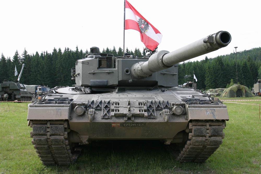 Leopard Club : Austrian Leopard 2A4